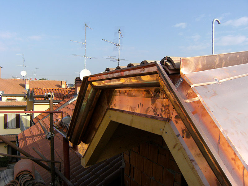 Installazione lattonerie in rame-Palazzolo-Eredi Pisoni-01